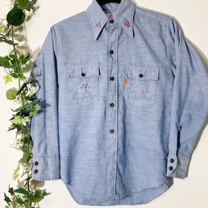1970s Vintage Levis Chambray Embroidered Button-Up